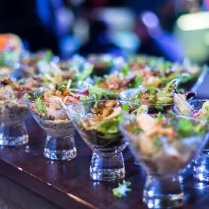 Салат в салатницах