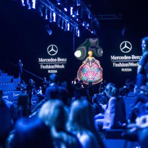 Показ коллекции бренда ARAIDA на Неделе моды в Москве