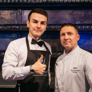 официант и шеф-повар