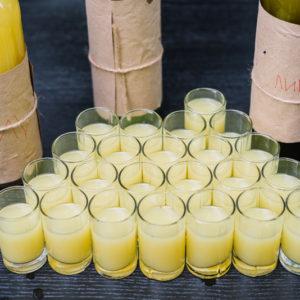 рюмки с лимончеллой