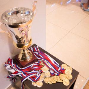Кубок и медали