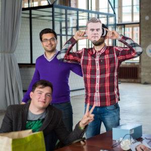команда разработчиков на хакатоне