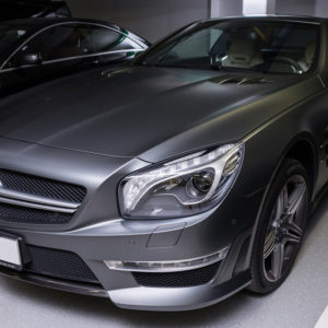 Mercedes Benz CLS 63 AMG на стоянке