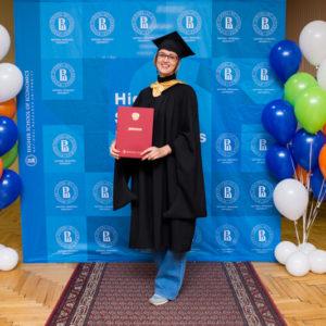 выпускница вшэ с дипломом