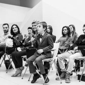 черно-белое фото гостей мероприятия
